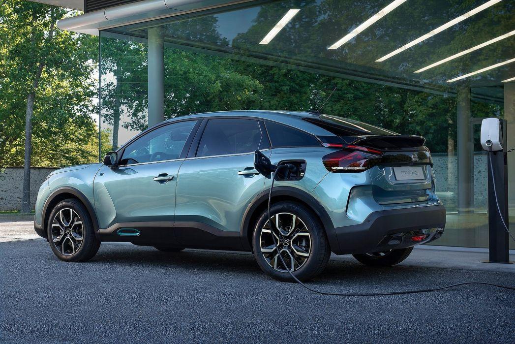 Image 3: Citroen E-C4 Electric Hatchback 100KW Shine Plus 50KWH 5dr Auto