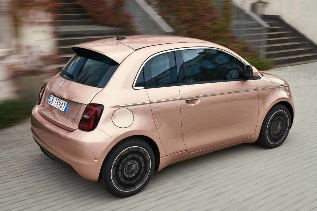 Image 5: Fiat 500 Electric Hatchback 87KW Passion 42KWH 3dr Auto