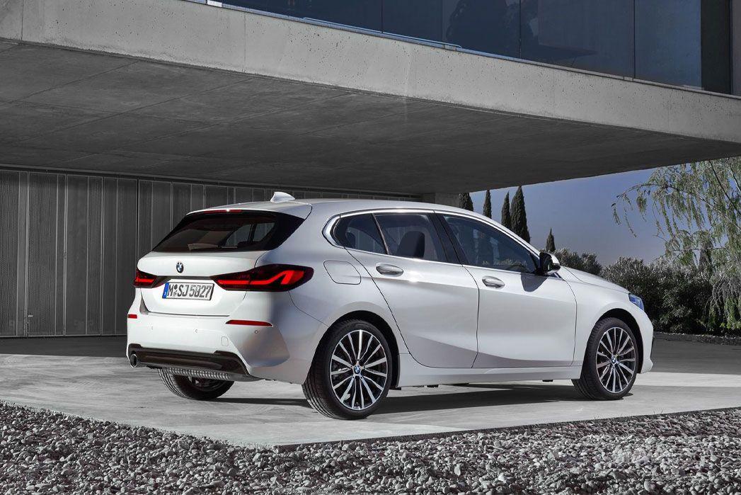 Video Review: BMW 1 Series Hatchback 118I [136] SE 5dr