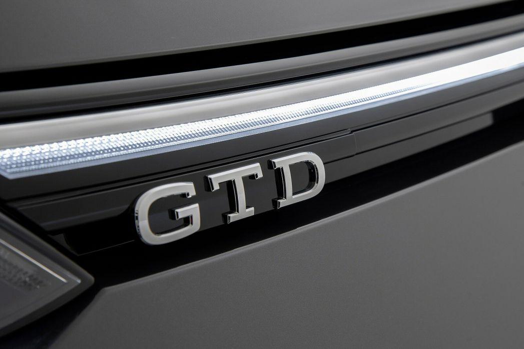 Image 6: Volkswagen Golf Diesel Hatchback 2.0 TDI 200 GTD 5dr DSG