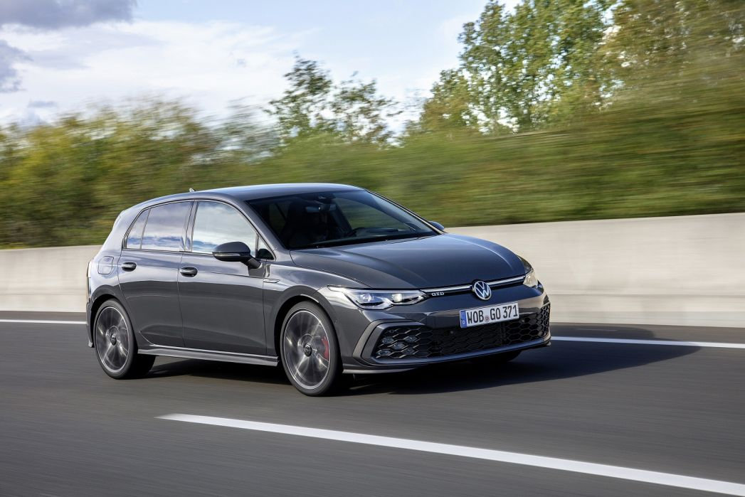 Image 2: Volkswagen Golf Diesel Hatchback 2.0 TDI 200 GTD 5dr DSG