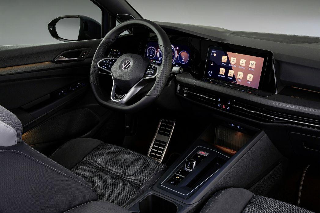 Image 4: Volkswagen Golf Diesel Hatchback 2.0 TDI 200 GTD 5dr DSG