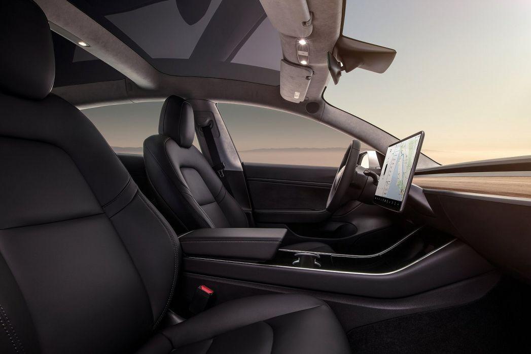 Image 3: Tesla Model 3 Saloon Standard Plus 4dr Auto