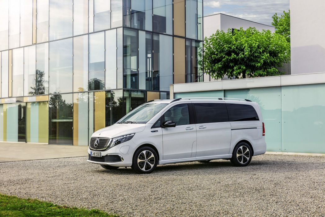 Image 1: Mercedes-Benz EQV Estate EQV 300 150 KW Sport Premium Plus 90 KWH 5dr Auto