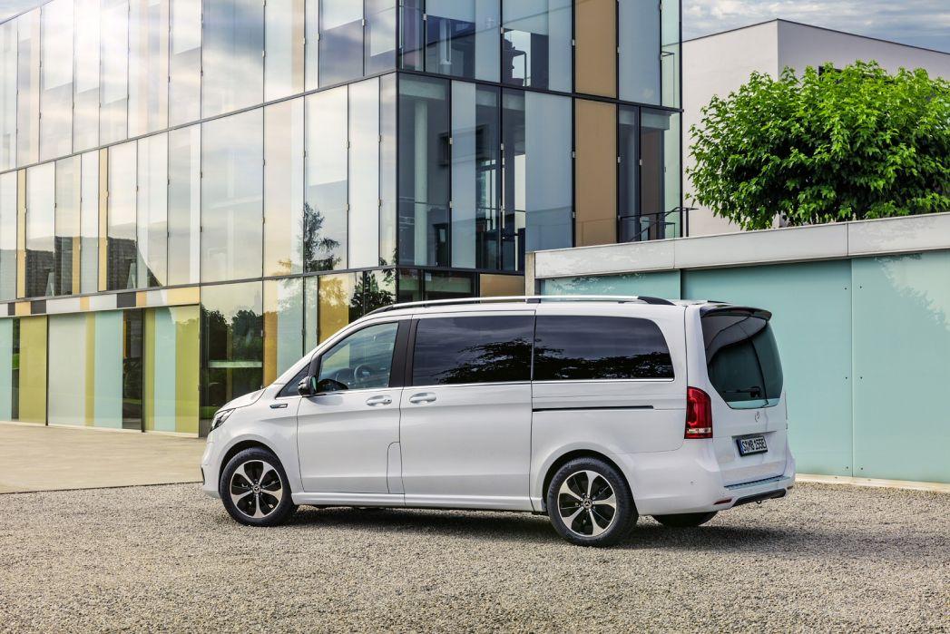 Image 2: Mercedes-Benz EQV Estate EQV 300 150 KW Sport Premium Plus 90 KWH 5dr Auto