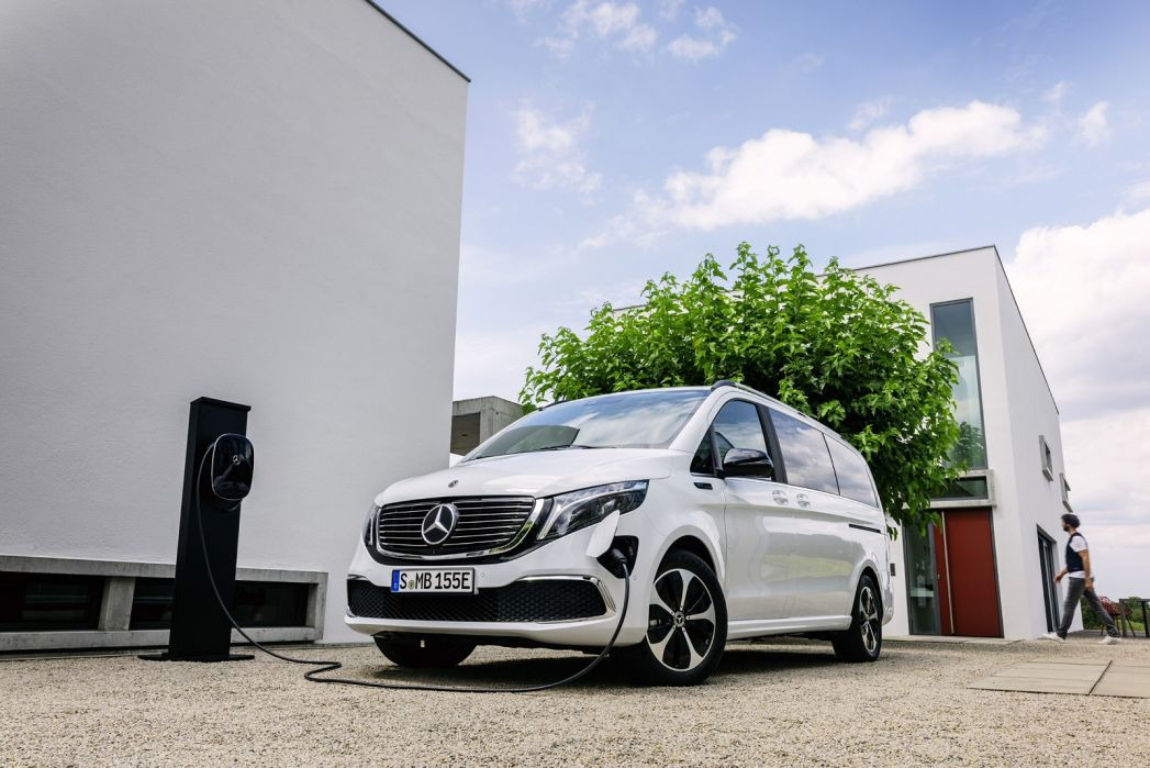 Image 3: Mercedes-Benz EQV Estate EQV 300 150 KW Sport Premium Plus 90 KWH 5dr Auto