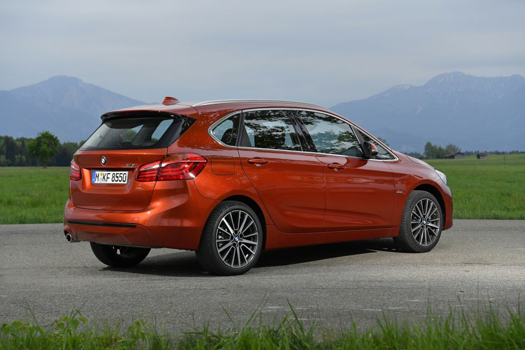 Image 3: BMW 2 Series Active Tourer 218I [136] Luxury 5dr