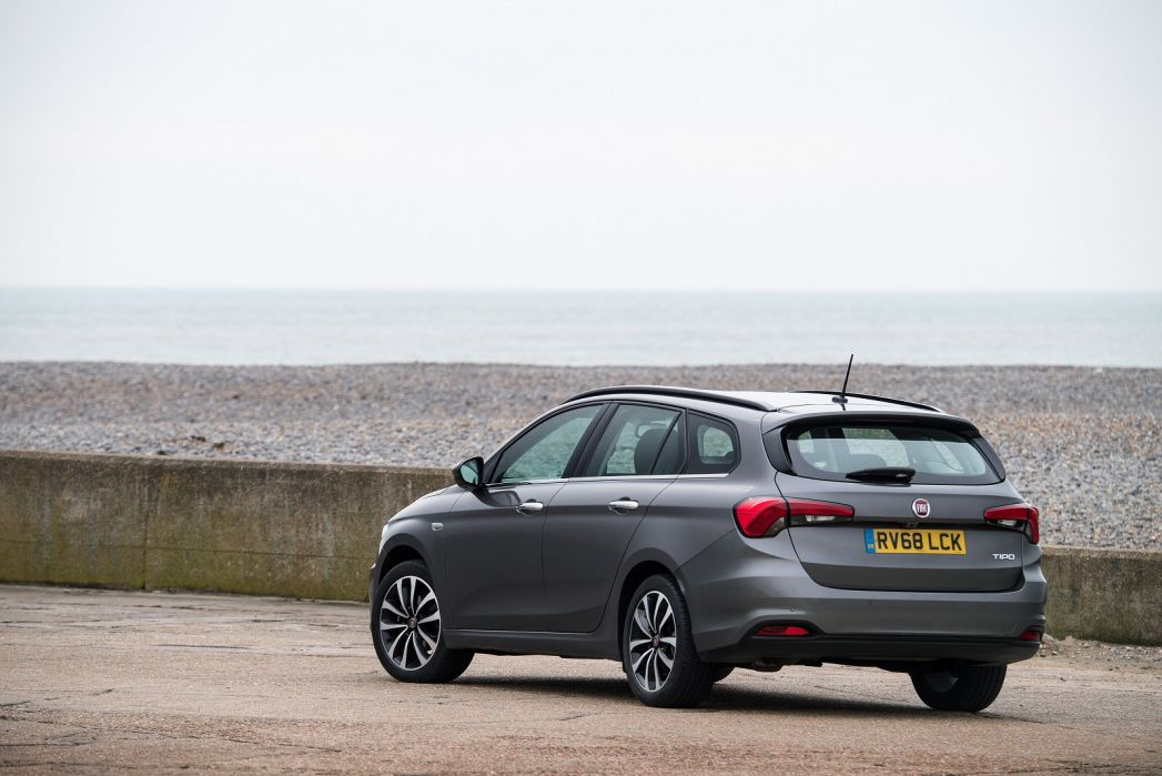 Image 4: Fiat Tipo Station Wagon 1.0 5dr