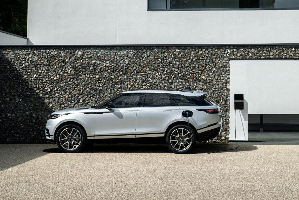 Image 2: Land Rover Range Rover Velar Estate 2.0 P400e SE 5dr Auto