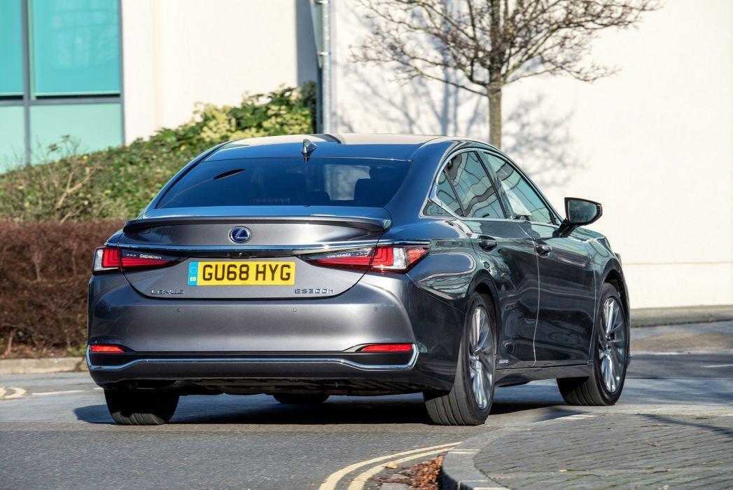 Image 5: Lexus ES Saloon 300H 2.5 4dr CVT [without NAV]