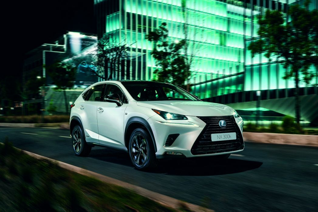 Image 2: Lexus NX Estate 300H 2.5 5dr CVT [premium Plus Pack/PAN Roof]