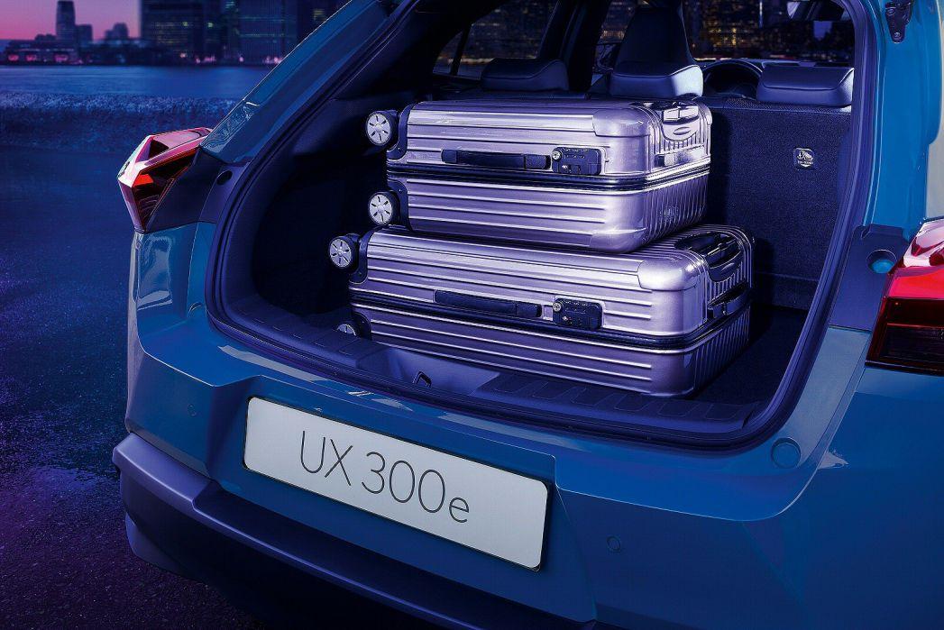 Image 5: Lexus UX Electric Hatchback 300E 150KW 54.3 KWH 5dr E-CVT