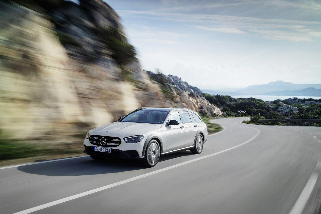 Image 3: Mercedes-Benz E Class AMG Estate E53 4matic+ Night Edition Prem+ 5dr TCT