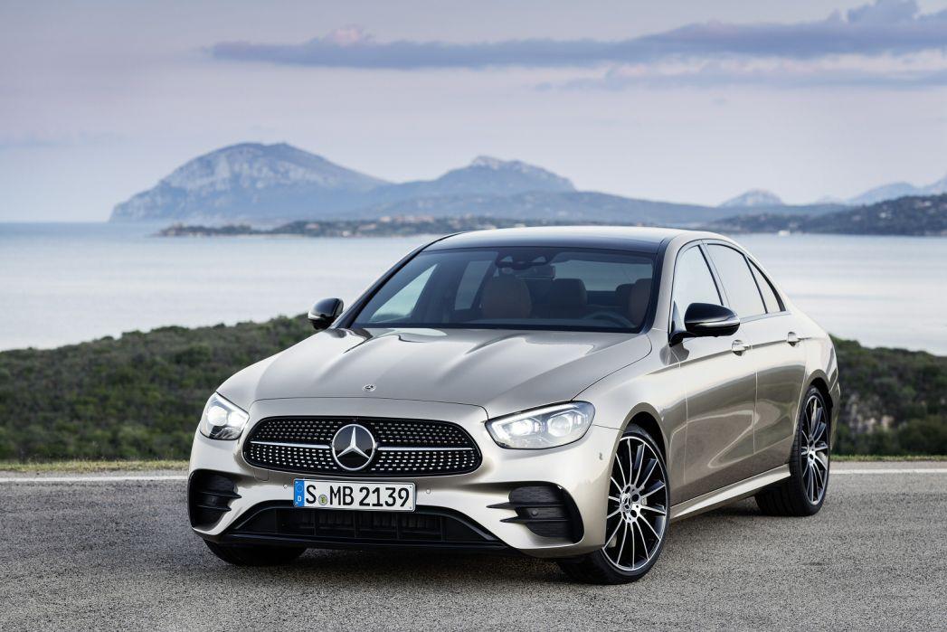 Image 6: Mercedes-Benz E Class Diesel Saloon E300de AMG Line 4dr 9G-Tronic