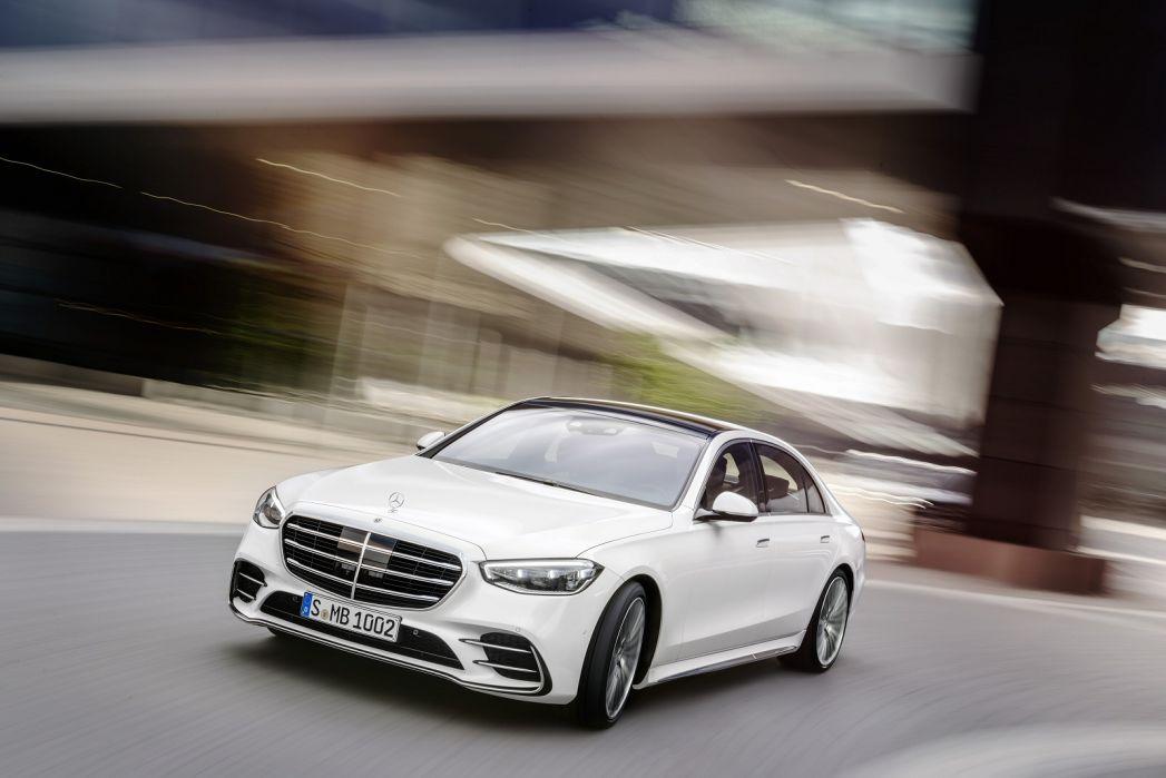 Image 2: Mercedes-Benz S Class Diesel Saloon S400d L 4matic AMG Line Premium Plus 4dr 9G-Tronic