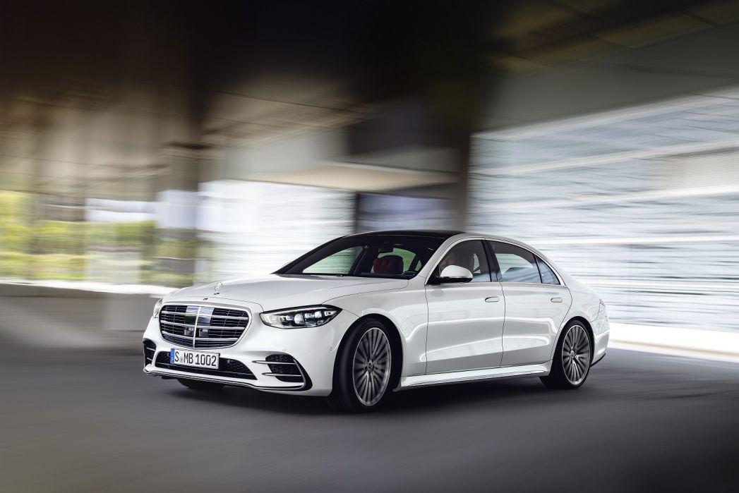 Image 3: Mercedes-Benz S Class Diesel Saloon S400d L 4matic AMG Line Premium Plus 4dr 9G-Tronic