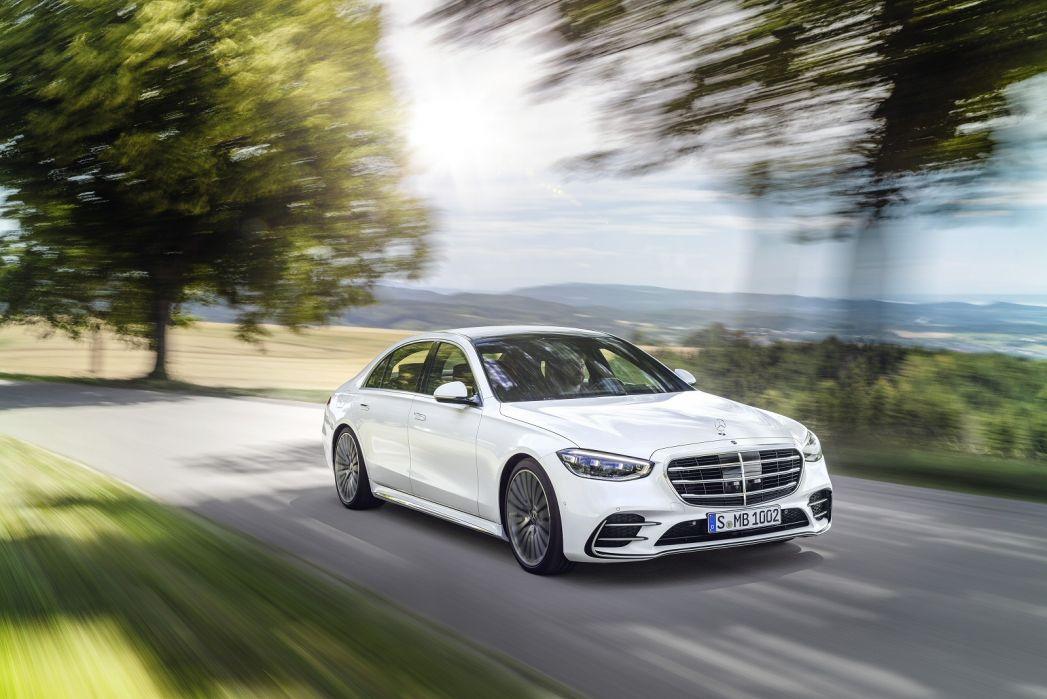 Image 4: Mercedes-Benz S Class Diesel Saloon S400d L 4matic AMG Line Premium Plus 4dr 9G-Tronic