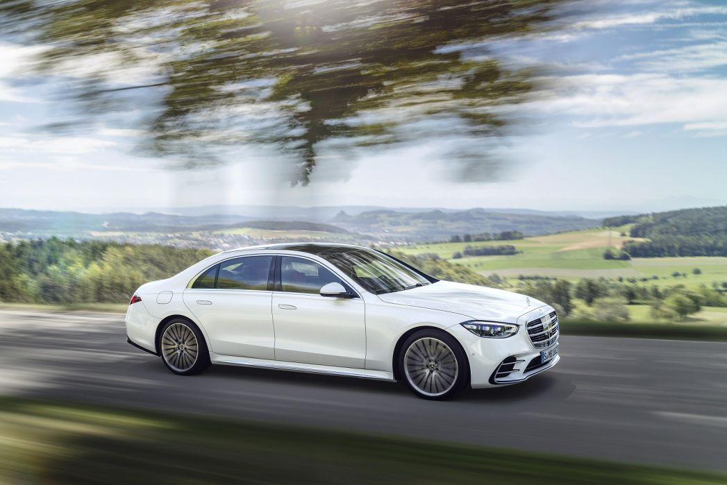Image 5: Mercedes-Benz S Class Diesel Saloon S400d L 4matic AMG Line Premium Plus 4dr 9G-Tronic