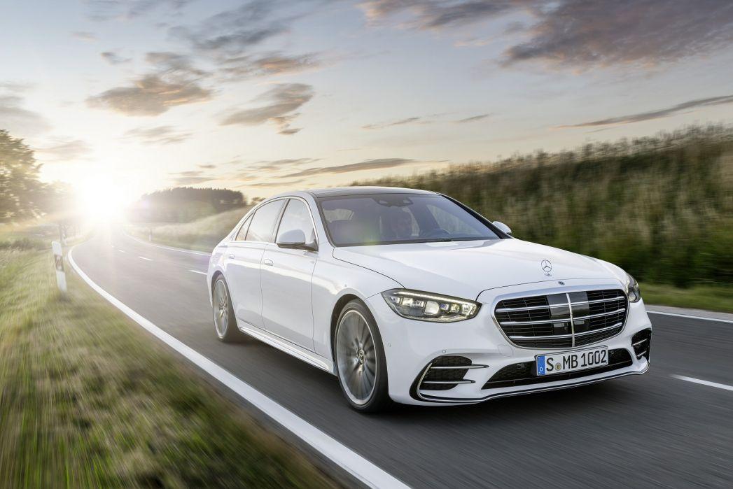 Image 6: Mercedes-Benz S Class Diesel Saloon S400d L 4matic AMG Line Premium Plus 4dr 9G-Tronic