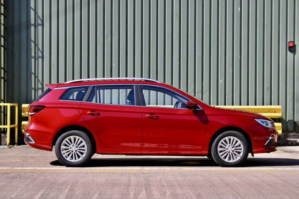Image 2: MG Motor UK MG5 Electric Estate 115KW Exclusive EV 61KWH 5dr Auto