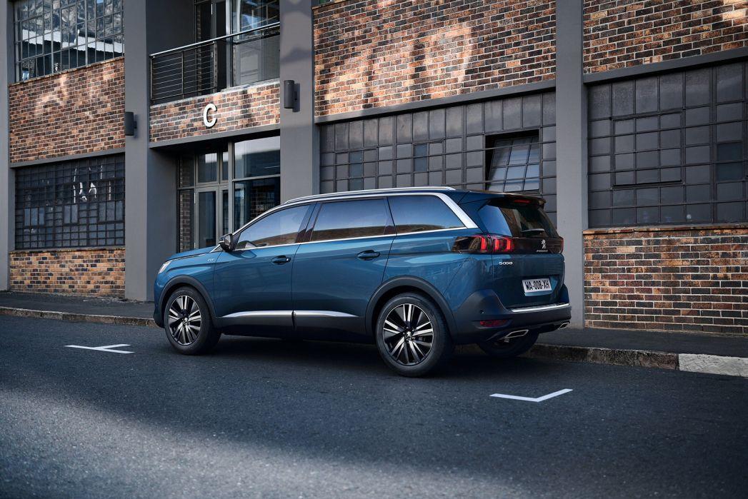Image 6: Peugeot 5008 Estate 1.2 Puretech Allure Premium 5dr