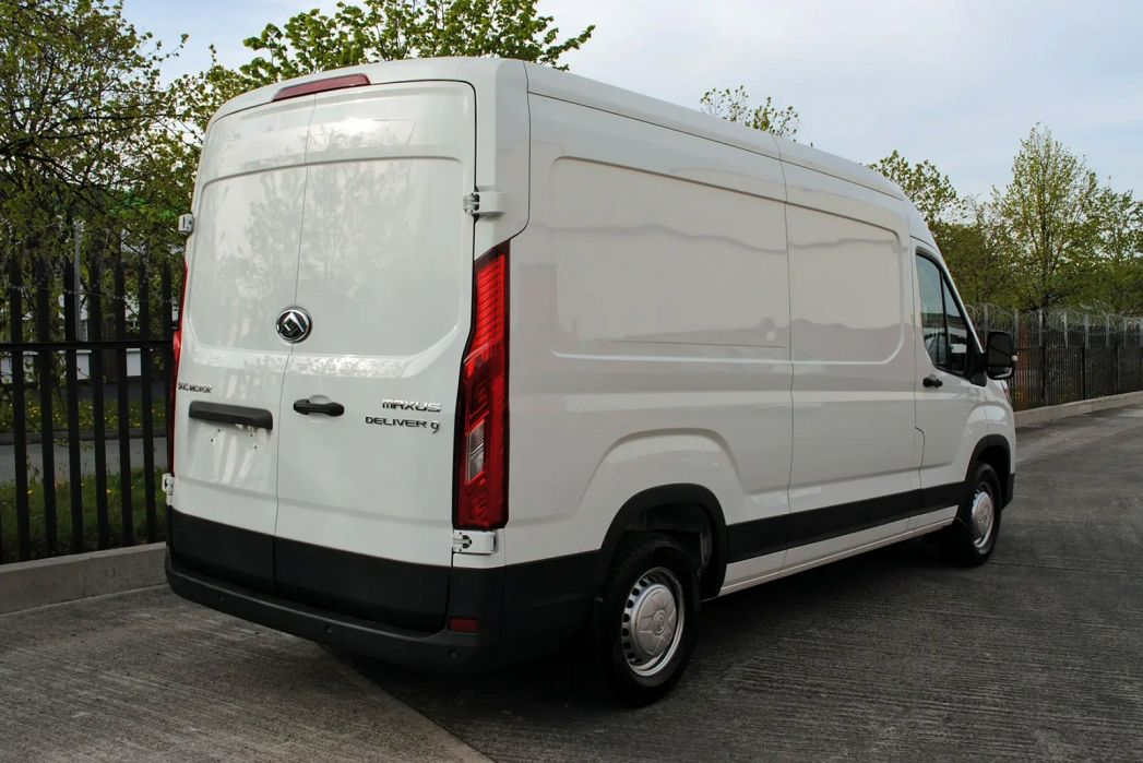 Image 2: Maxus Deliver 9 MWB Diesel RWD 2.0 D20 150 Chassis CAB