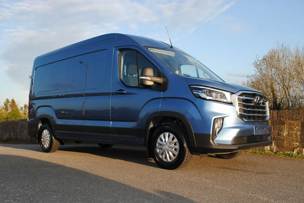 Image 4: Maxus Deliver 9 MWB Diesel RWD 2.0 D20 150 Chassis CAB