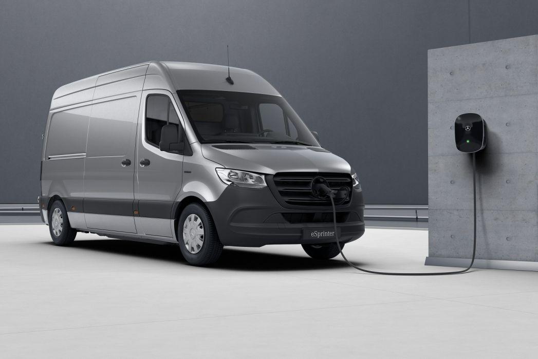 Image 4: Mercedes-Benz Sprinter 214CDI L1 Diesel FWD 3.0T H1 Pure VAN