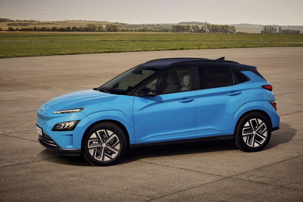 Image 2: Hyundai Kona Electric Hatchback 150KW Premium 64KWH 5dr Auto [10.5KW Charger]