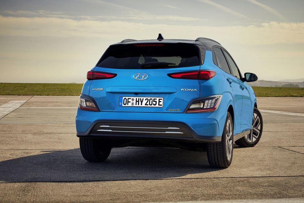 Image 3: Hyundai Kona Electric Hatchback 150KW Premium 64KWH 5dr Auto [10.5KW Charger]