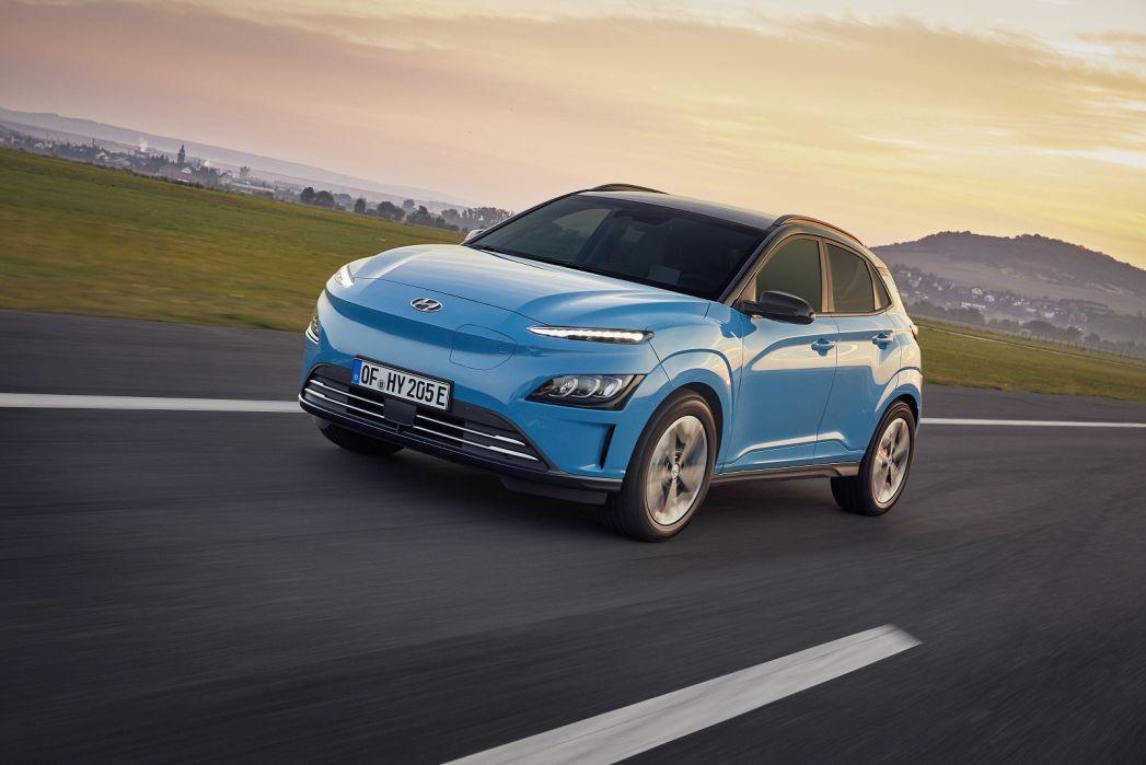 Image 4: Hyundai Kona Electric Hatchback 150KW Premium 64KWH 5dr Auto [10.5KW Charger]
