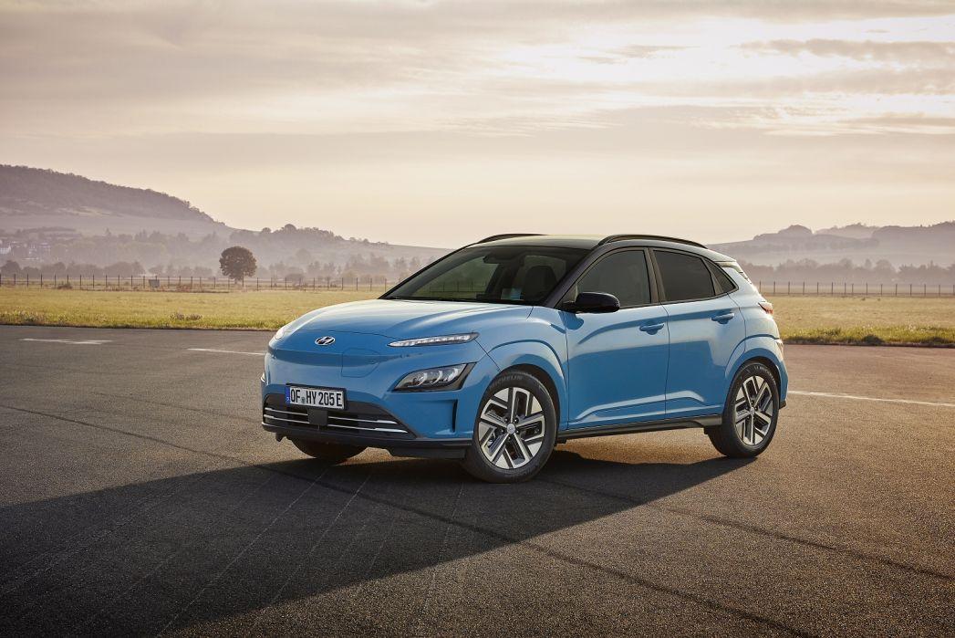 Image 5: Hyundai Kona Electric Hatchback 150KW Premium 64KWH 5dr Auto [10.5KW Charger]
