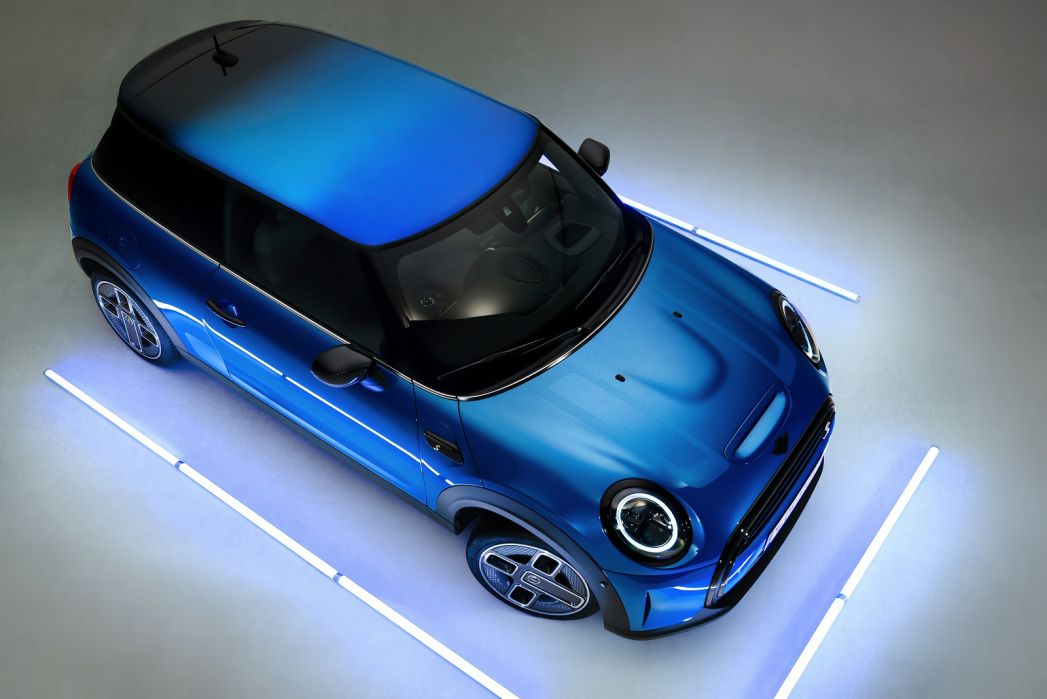 Image 4: Mini Electric Hatchback 135KW Cooper S Level 3 33KWH 3dr Auto