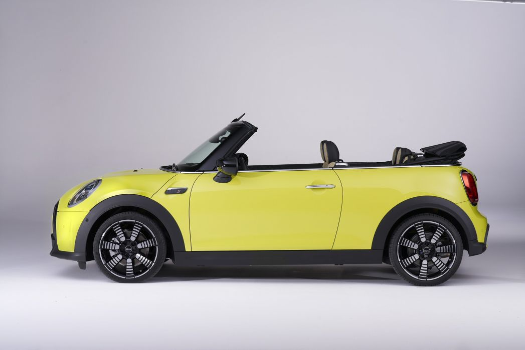 Image 3: Mini Convertible 2.0 Cooper S Classic 2dr Auto [comfort Pack]