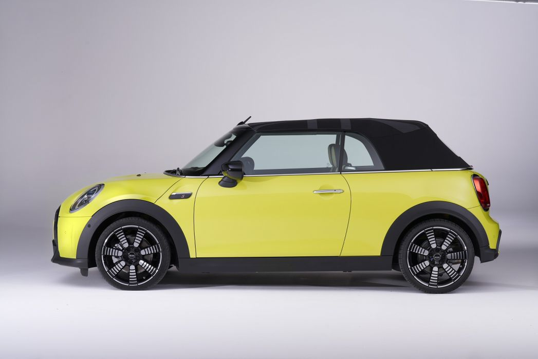 Image 4: Mini Convertible 1.5 Cooper Exclusive 2dr [comfort/NAV Pack]