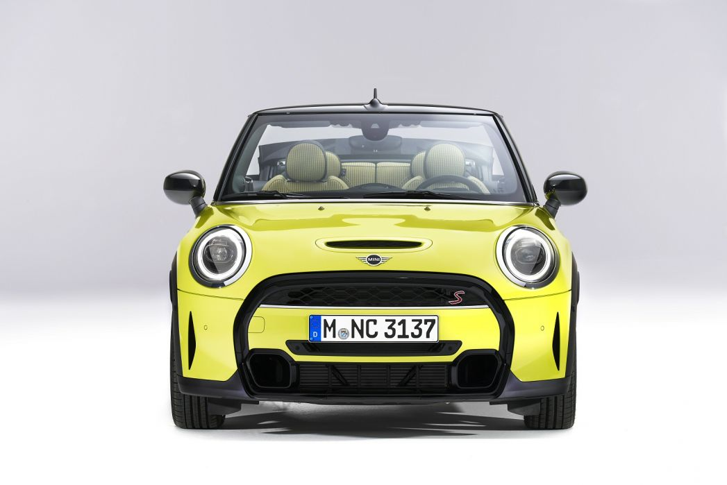 Image 5: Mini Convertible 1.5 Cooper Exclusive 2dr [comfort/NAV Pack]