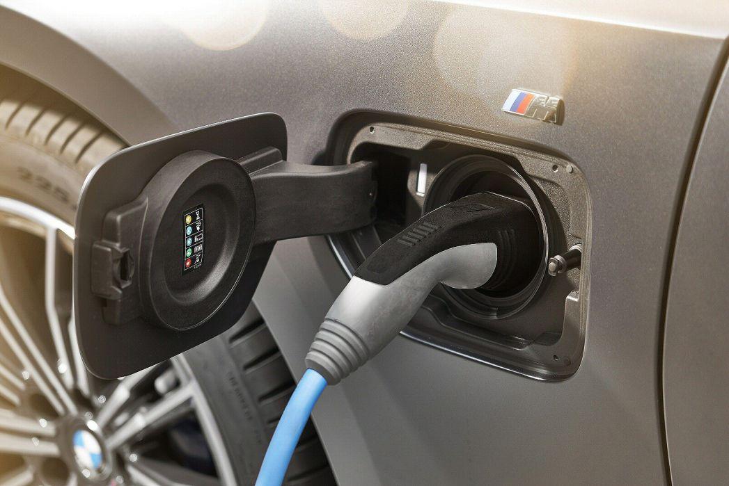 Image 6: BMW 3 Series Touring 330E M Sport 5dr Step Auto