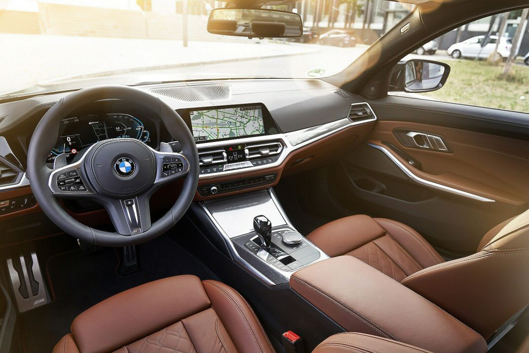 Image 2: BMW 3 Series Touring 330E M Sport 5dr Step Auto