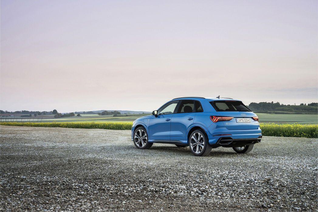 Image 2: Audi Q3 Diesel Estate 35 TDI Technik 5dr [comfort+sound Pack]