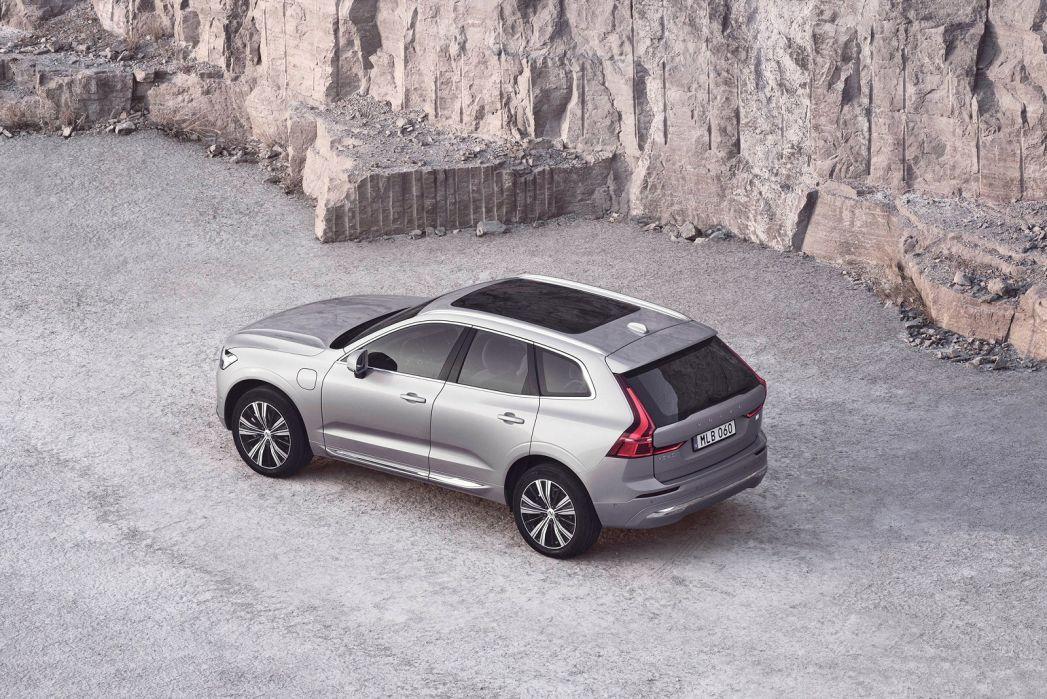 Image 3: Volvo XC60 Estate 2.0 B5P [250] Momentum 5dr Geartronic
