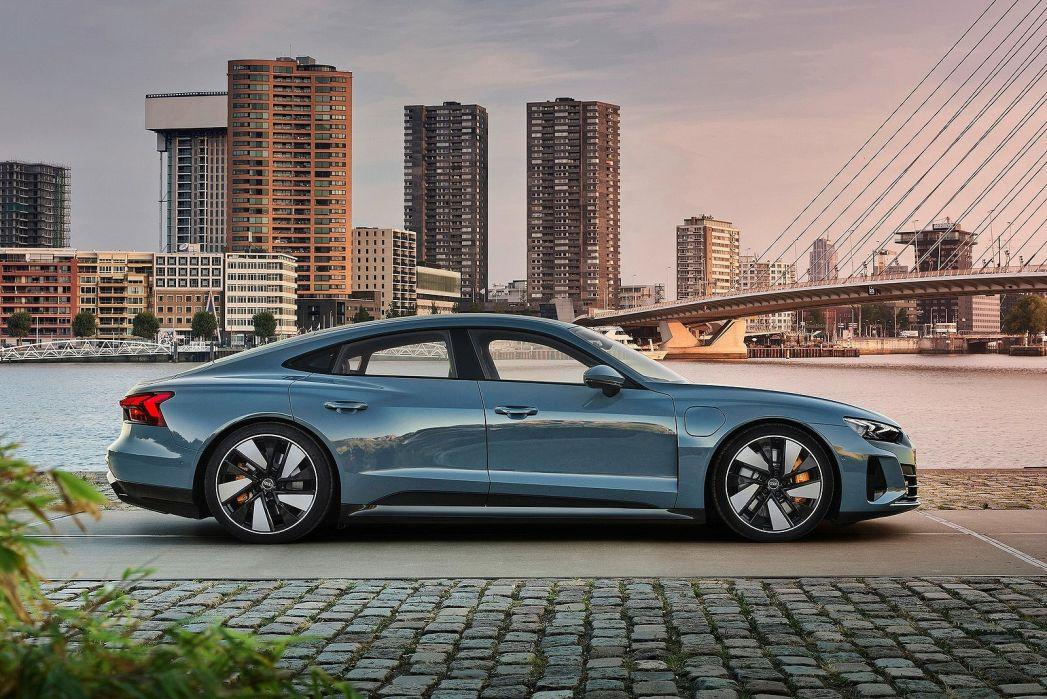 Image 3: Audi E-Tron GT Saloon 390KW Quattro 93KWH 4dr Auto [C+S]