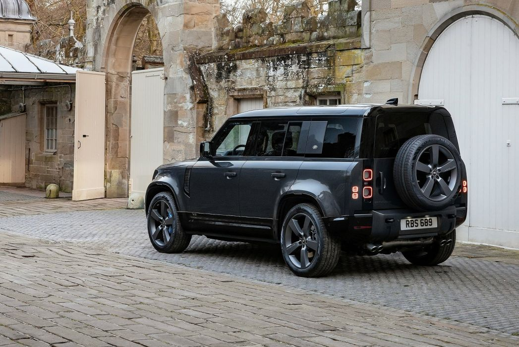 Image 6: Land Rover Defender Estate Special Editions 3.0 D250 XS Edition 90 3dr Auto