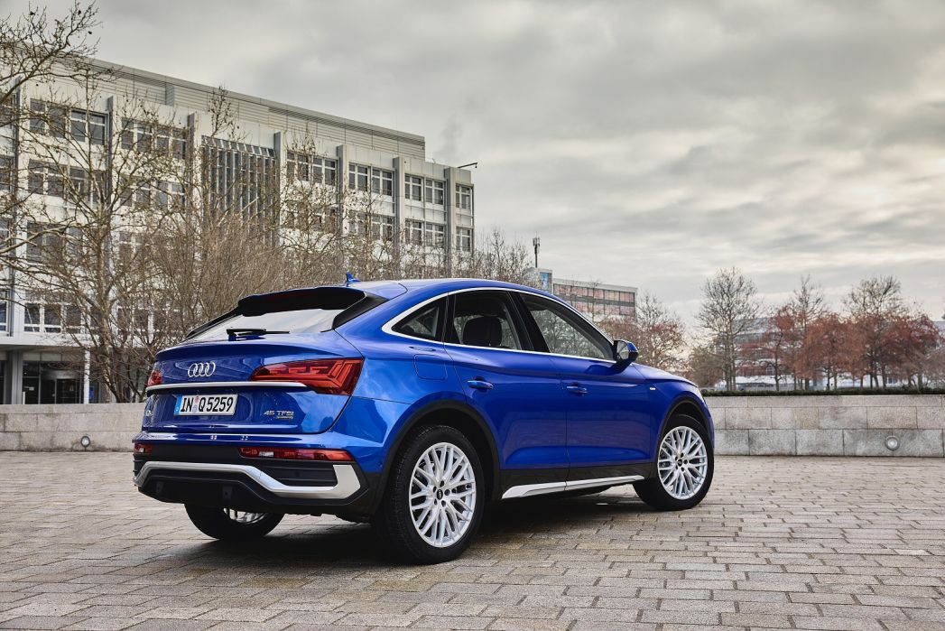 Image 2: Audi Q5 Diesel Estate 40 TDI Quattro Sport 5dr S Tronic