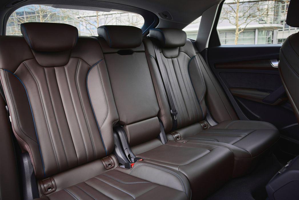 Image 4: Audi Q5 Diesel Estate 40 TDI Quattro Sport 5dr S Tronic