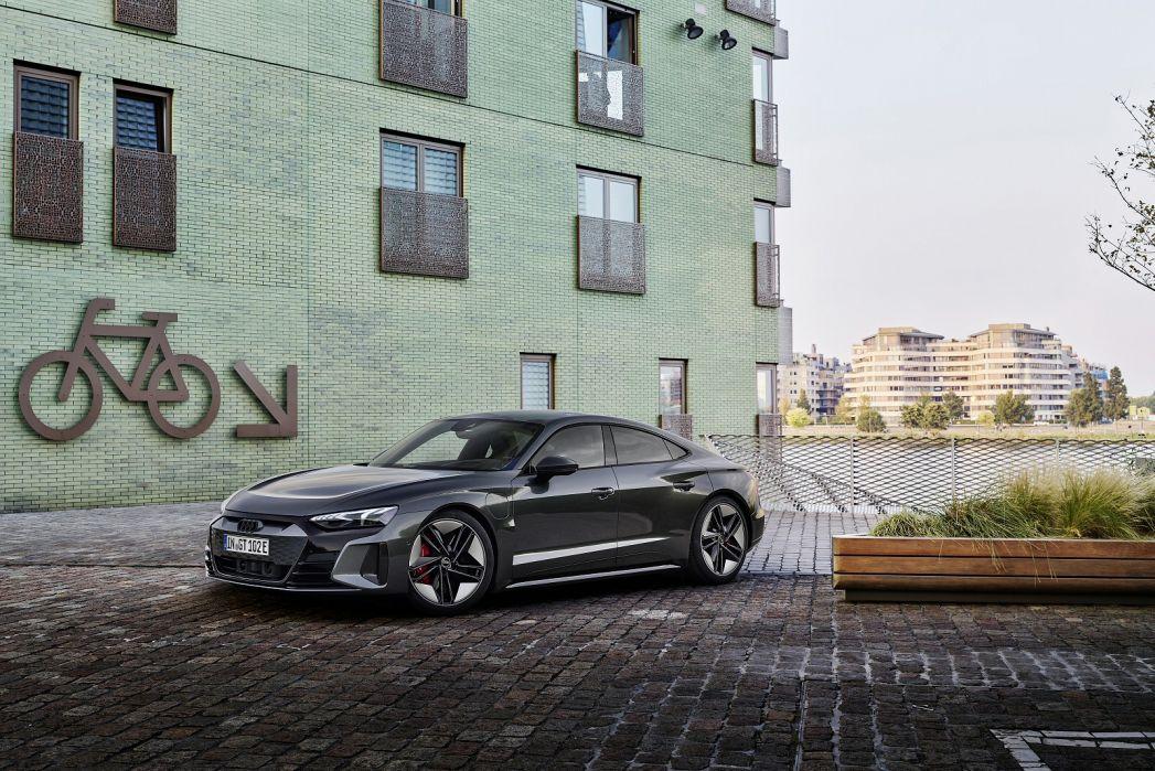 Image 3: Audi RS E-Tron GT Saloon 475KW Quattro 93KWH Carbon Vorsprung 4dr Auto