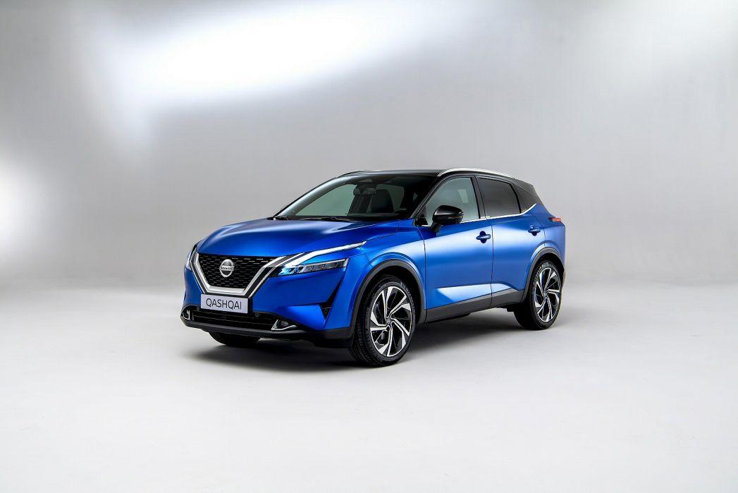 Video Review: Nissan Qashqai Hatchback 1.3 DIG-T MH Acenta Premium 5dr