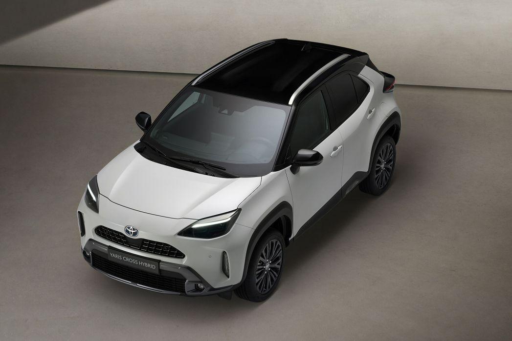 Image 2: Toyota Yaris Cross Estate 1.5 Hybrid Icon 5dr CVT