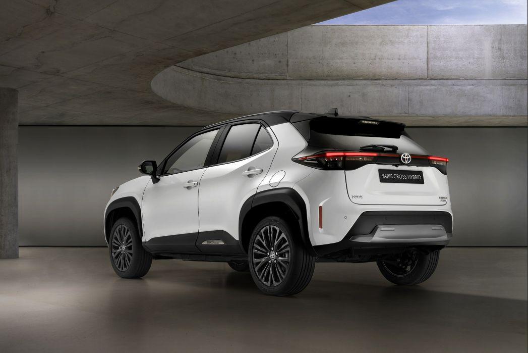 Image 4: Toyota Yaris Cross Estate 1.5 Hybrid Icon 5dr CVT