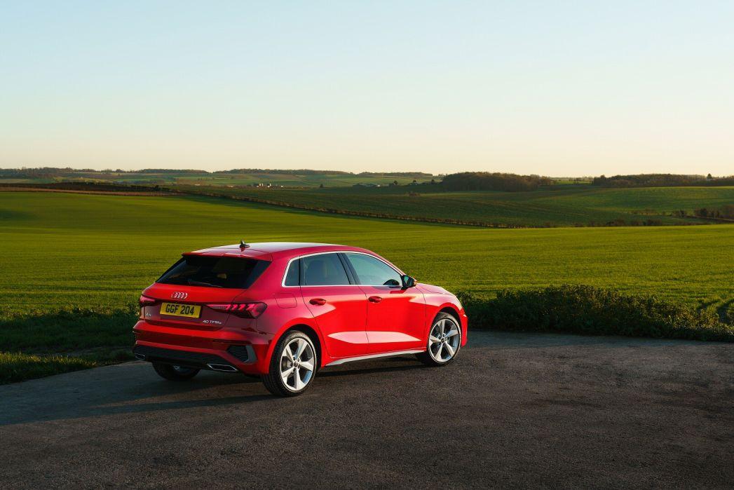 Image 3: Audi A3 Sportback 40 Tfsi E S Line 5dr S Tronic