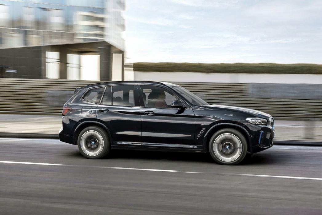 Image 3: BMW IX3-E Electric Estate 210KW M Sport PRO 80KWH 5dr Auto